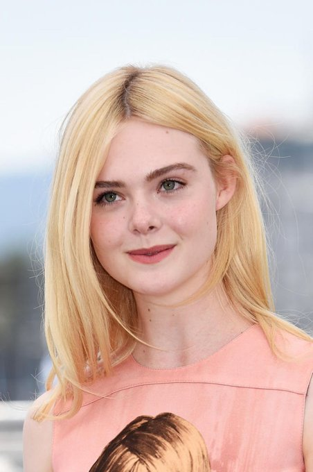 Happy birthday to my favourite crush Elle fanning