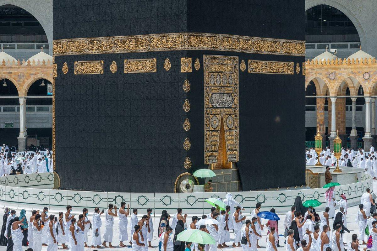 تحية جمعة_مباركة مع هذه الصورة الجميلة للحرم المكي في آخر جمعة من شهر شعبان… اللهم بلغنا رمضان… …