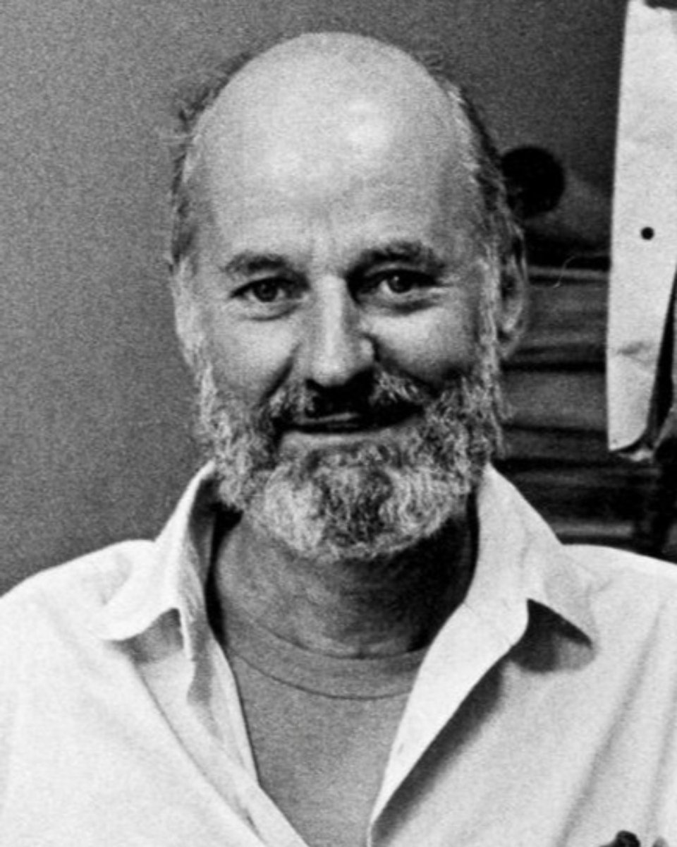 City Lights books and its owner Lawrence Ferlinghetti played a major role in changing the world of poetry. Help us honor Ferlinghetti by reading a poem that he wrote, published, translated or inspired and submit it to our special project: https://t.co/Hh4sgIktrn https://t.co/IAWEh18cz1