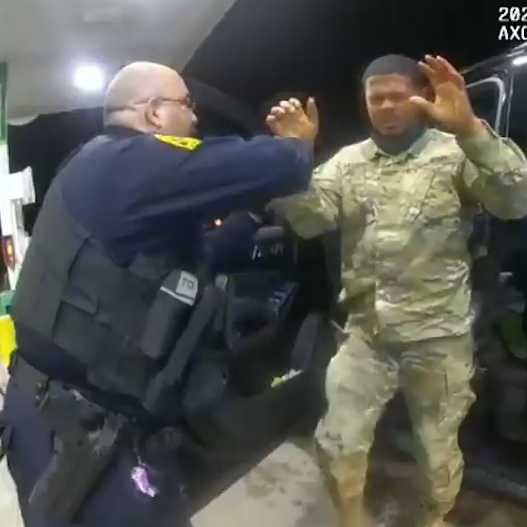 A U.S. Army officer filed a federal civil lawsuit against police officers who pepper-sprayed and assaulted him.   Lt. Caron Nazario, of Latinx and African American descent, alleges that his constitutional rights were violated and race played a role. https://t.co/YbqLAfa2w4