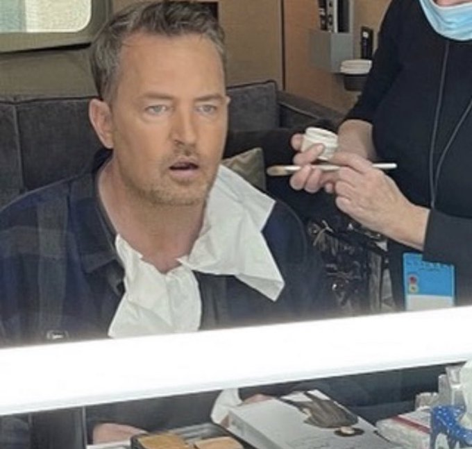 Matthew Perry unveils the FIRST behind-the-scenes photo from the Friends reunion Photo