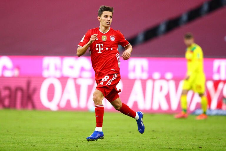 RT @SLBenficaYouth: Tiago Dantas makes his full debut for Bayern Munich against Union Berlin! https://t.co/P2bAxGXCJ4