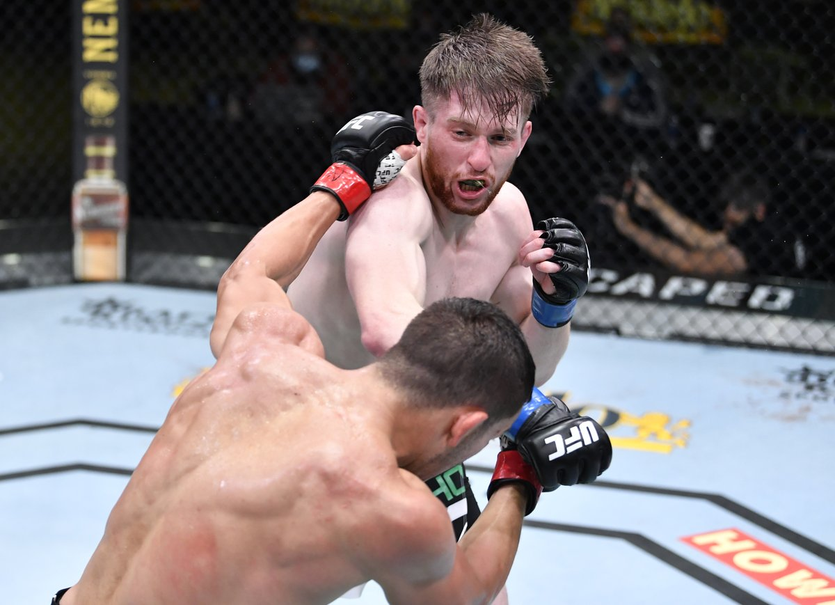 Welshman and undefeated bantamweight Jack Shore secured a split-decision victory over American Hunter Azure yesterday at the UFC Apex in Las Vegas  Read here: https://t.co/jYZQQ3AUZR https://t.co/fI2uCJ7e6m