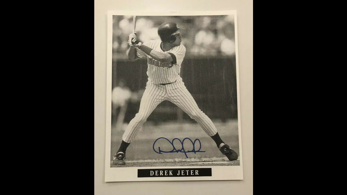 Early Derek Jeter Autograph  Minor league Greensboro  Hornets HOF  https://t.co/yGtuCbi7Rl  USD57.78 https://t.co/xnYMP5KgoP