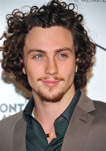 RT @NINETIESRNB: i just think that curly haired aaron taylor-johnson https://t.co/sVq7ZqAEyu