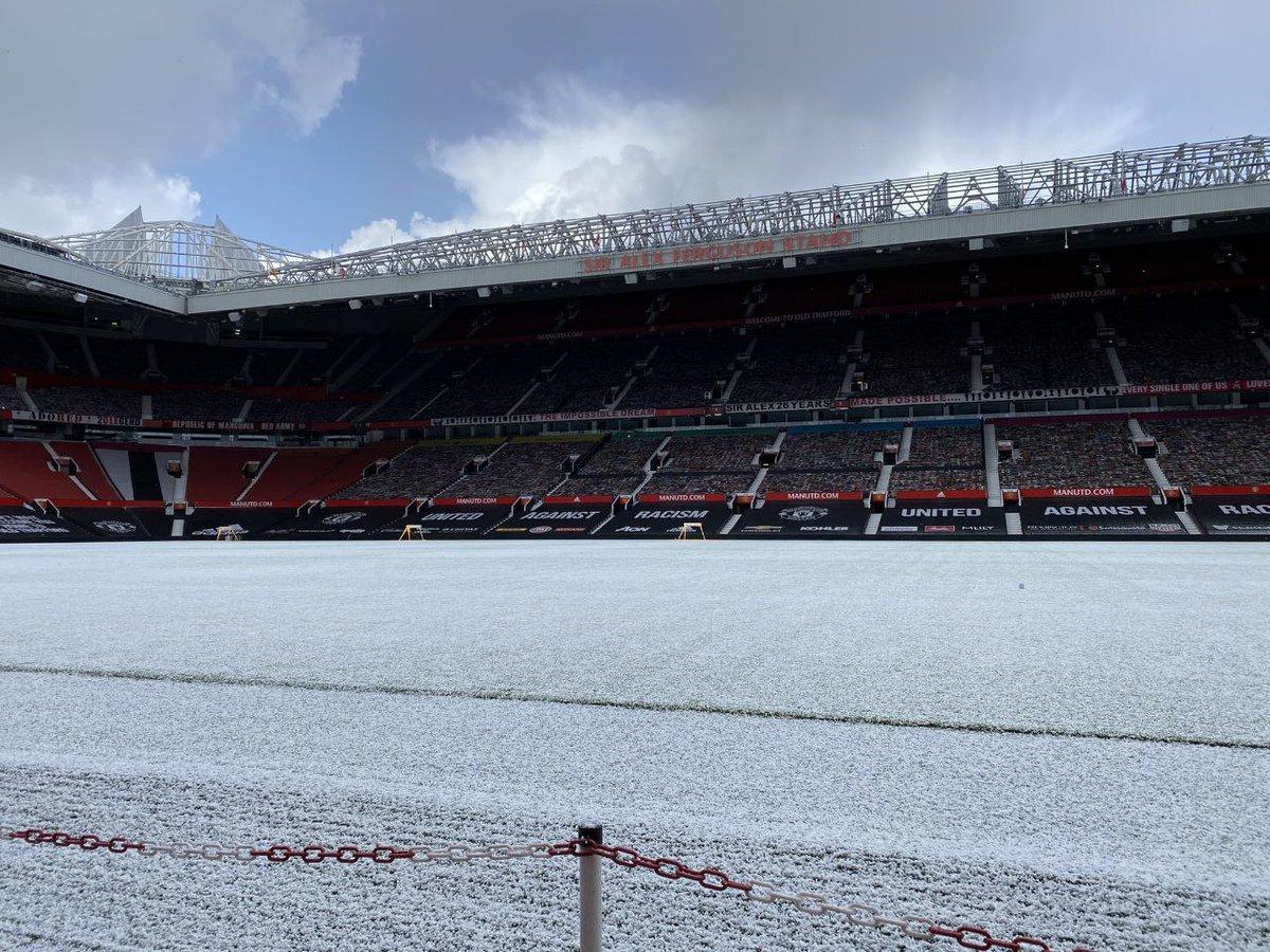 #TOTMUN  It's a snowy Old Trafford today ❄⛄  Manchester United⚽💯  #GGMU #mufc #manutd #ynwa #halamadrid #manu #eidmubarak #mancity #mcimun #coys #liverpool #epl #lfcfollowback #madrid #makeusdream #matchday #cfc #bpl #tottenham #lfl #lebaran #eidalfitr #avfc https://t.co/d2u3Z57N88