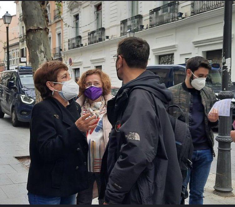 Como Iglesias diciendo que no debe decidir Madrid el barrio de Salamanca desde su Chalet de Galapagar con servicio incluido. Puro comunismo, no hay peor casta que ellos.
