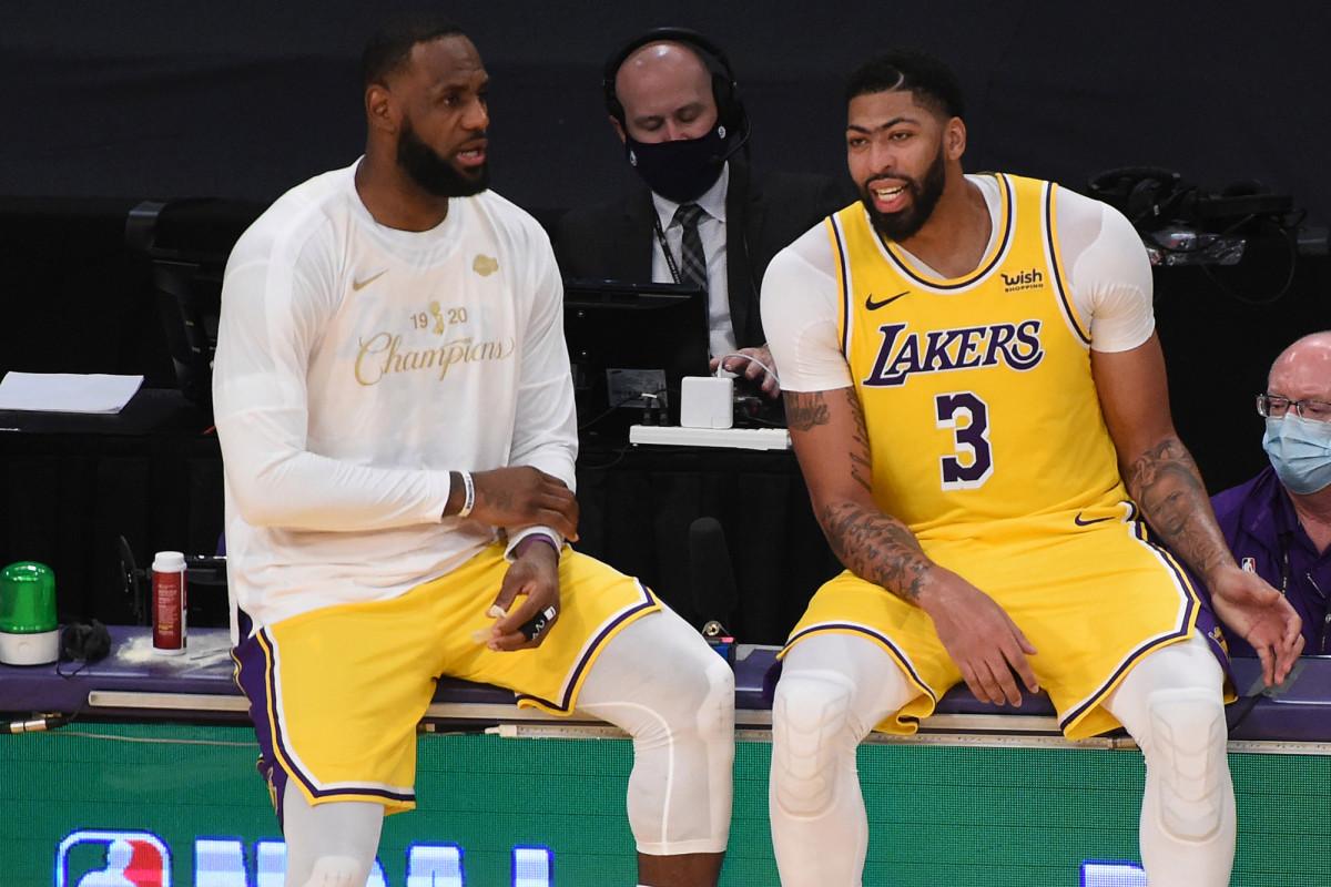 LeBron James, Anthony Davis' Lakers returns on the horizon