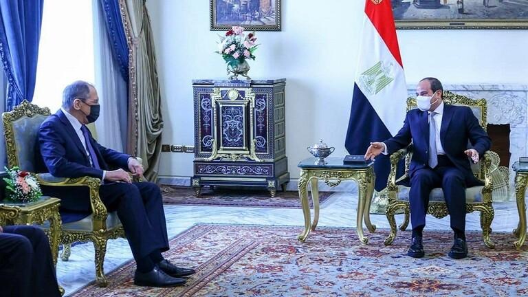 لافروف يستهلّ من مصر زيارته إلى الشرق الأوسط.. ويجتمع مع السيسي