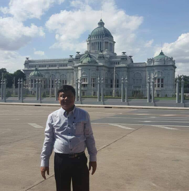 Professor Dr.Maw Maw Oo from Emergency Department of Yangon General Hospital was arbitrarily abducted by junta terrorists(SAC) today. JUNTA MASSACRE #Apr12Coup #WhatsHappeningInMyanmar @TostevinM @UNHumanRights @poppymcp @clarissaward @Reuters @BBCWorld @WHO @CNN @eAsiaMediaHub https://t.co/iTknjiMqIN