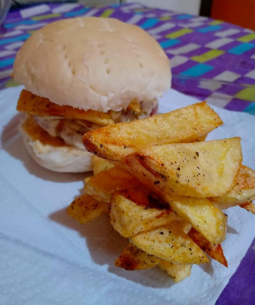#burger #burgers #homemade #homemadeburger #Food #cookingmaster #chef #Chefs #hamburguesas #cocineros #MasterChefArgentina #pancasero #panaderia https://t.co/BrXwts6P3d