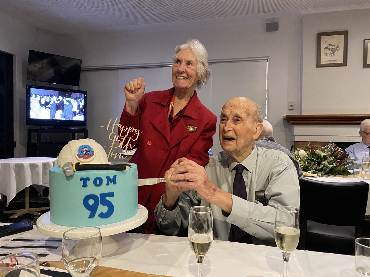 Every Australian who has superannuation & workers compensation has this man, Tom McDonald to thank. Leader of the building workers union. Happy 95th comrade! https://t.co/35W1powwwn