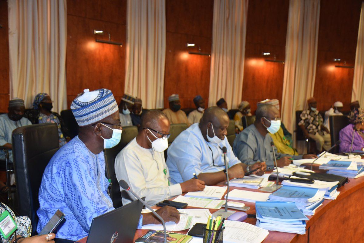 The Commissioner @Kaduna_MoE @Drshehumakarfi with the Permanent Secretary @YayiPhoebe led the members of the Education Management Committee, comprising of the Ministry and all agencies of the Education sector to the ministerial briefing @ Sir Kashim Ibrahim House, Kaduna.