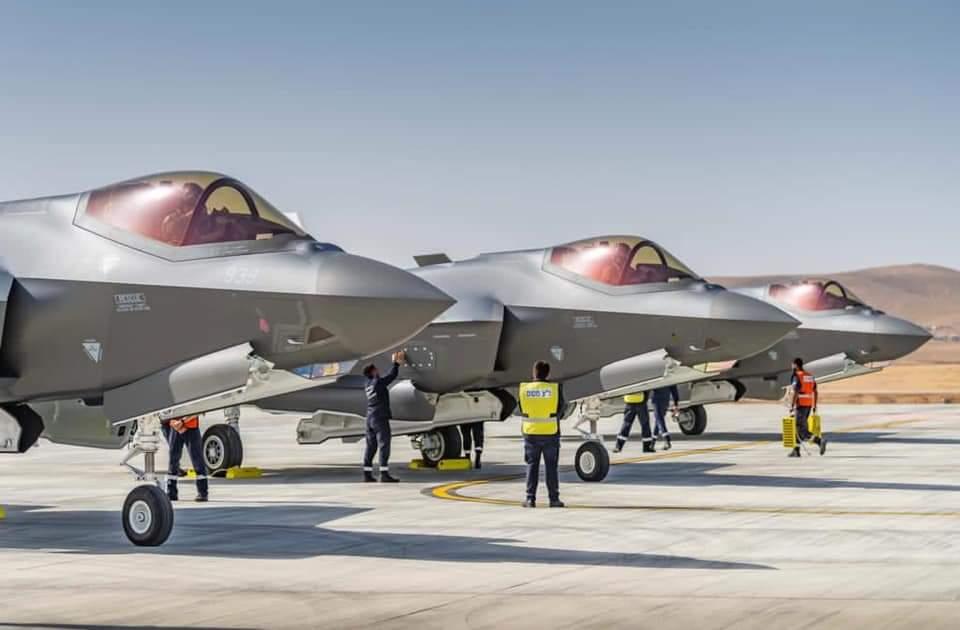 تسلم سلاح الجو الإسرائيلي اليوم 3 طائرات آدير  (F-35I)، التي انضمت إلى سرب 116 المعروفة باسم أسود الجنوب