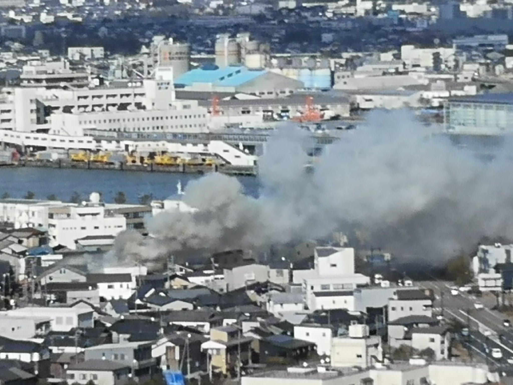新潟市中央区豊照町で火事が起きている画像