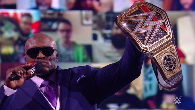 El campeón Bobby Lashley durante RAW
