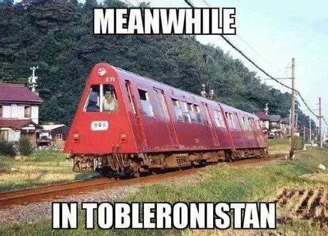 Hmmmm...  Toblerone.... https://t.co/uWAcyy9JLH