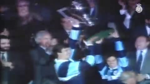 🏆¡Tal día como hoy en 1990 ganamos nuestra2️⃣5️⃣ª @LaLiga!  🙌 ¡La 5⃣ª consecutiva! #RealFootball https://t.co/MjNkTuX9z2