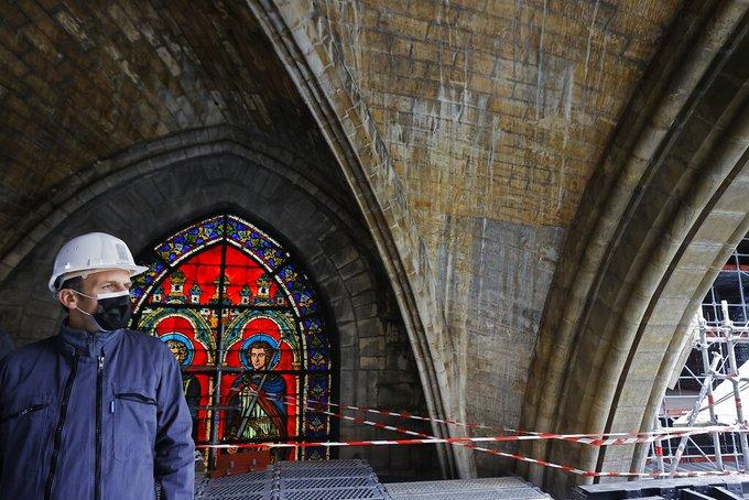 Macron, en Notre-Dame