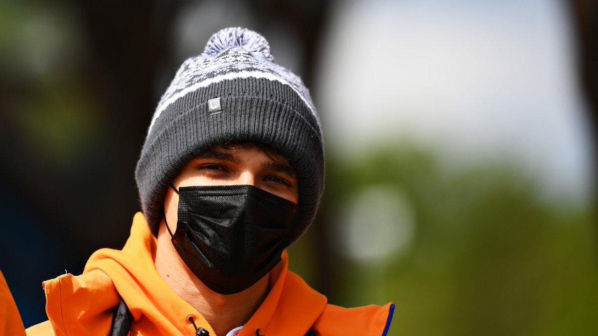 Bit chilly today @LandoNorris? ❄️🥶  #ImolaGP 🇮🇹 #F1 https://t.co/rBggOfG15P
