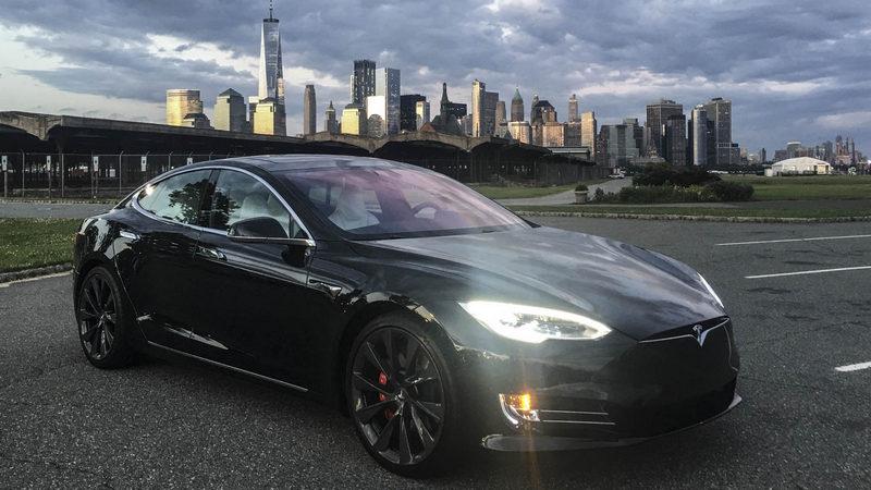 Self-Driving Tech May Be Ruining the Tesla Model S. #beautyisnatural #beauty_style https://t.co/cRtdtb0yK2 https://t.co/DSjMCat5SE