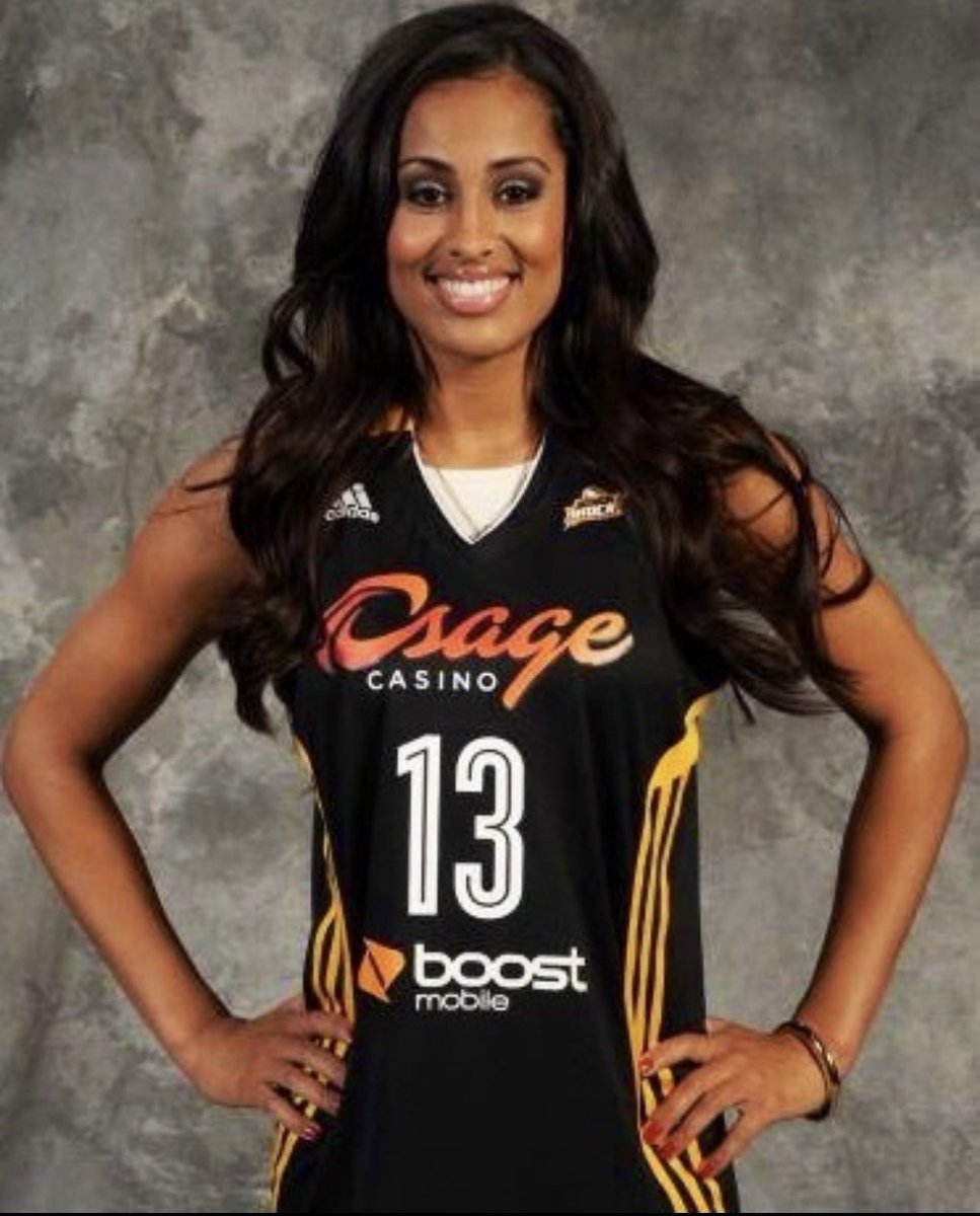 RT @SkyDigg4: Happy draft day! Good luck to all the ladies 🙌🏽🙏🏽 #WNBADraft #tbt #3tosee https://t.co/mui5OE8sTj