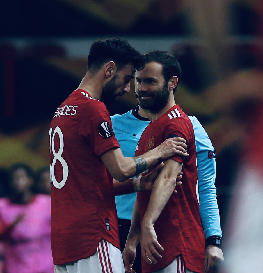 What a real Bromance looks like @juanmata8  😂 🤜🏼🤛🏼  Off to the semi-finals 🚀👹 #mufc https://t.co/b01T23pcGO