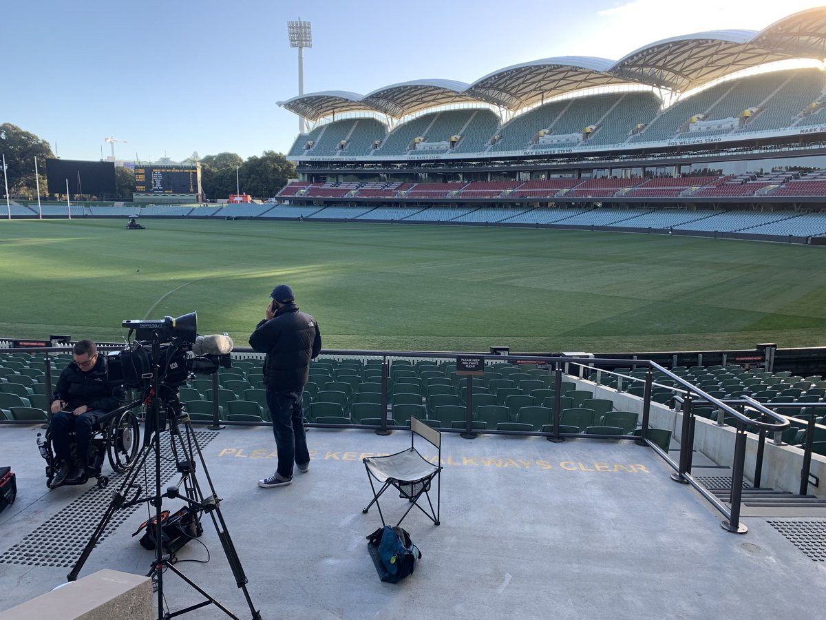 Footy grounds are beautiful places early in this morning. Chat with @abcnews breakfast show shortly #AFLWGF https://t.co/TBUqOQh3Ts.