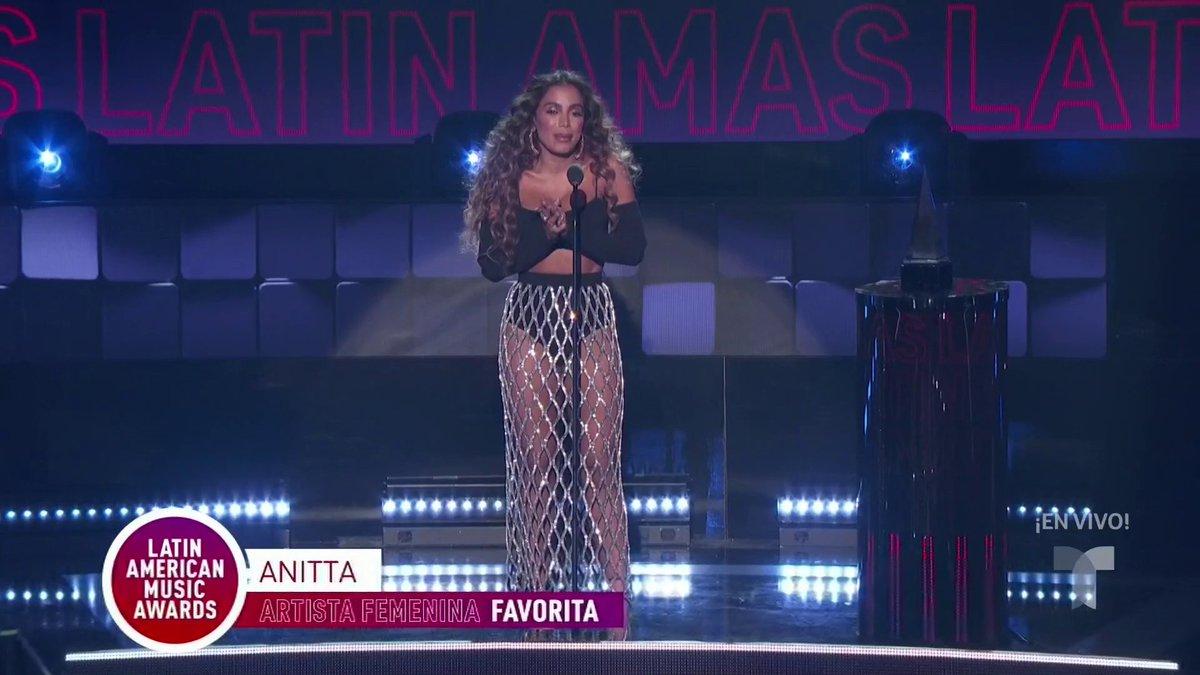 @LatinAMAs's photo on #LatinAMAs