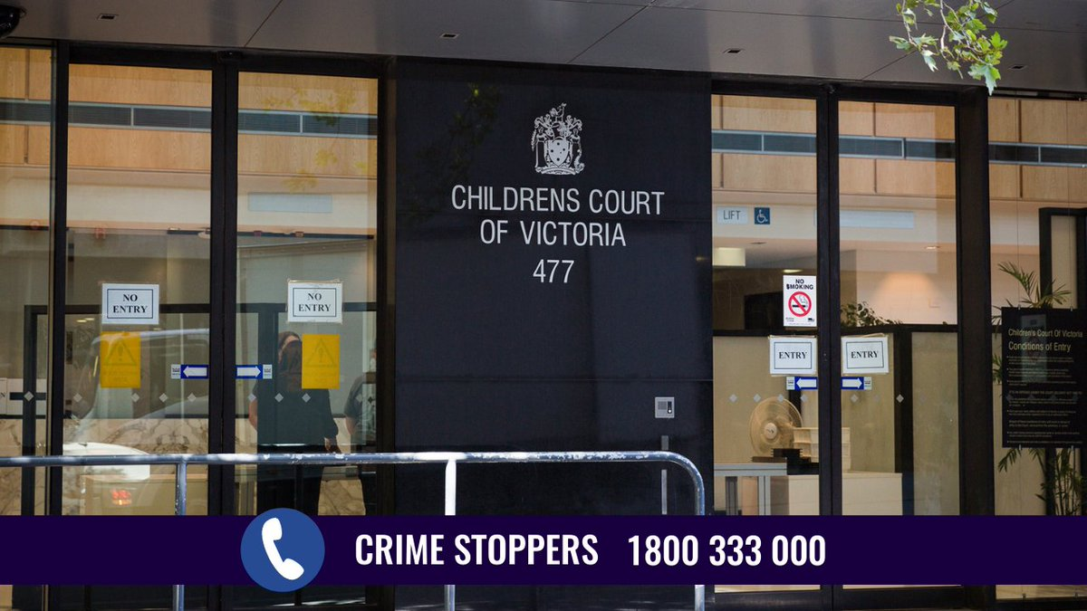 Police have charged three teenagers following an alleged pursuit in Pakenham this morning.  All three teenagers have been remanded in custody to appear at a children's court at a later date.  📞 @crimestoppervic on 1800 333 000 🔗 https://t.co/ToUurytvvT https://t.co/AELSNyYwXB