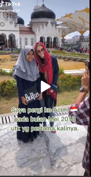 Tiphaine Paulon saat berkunjung ke Aceh pada tahun 2018.
