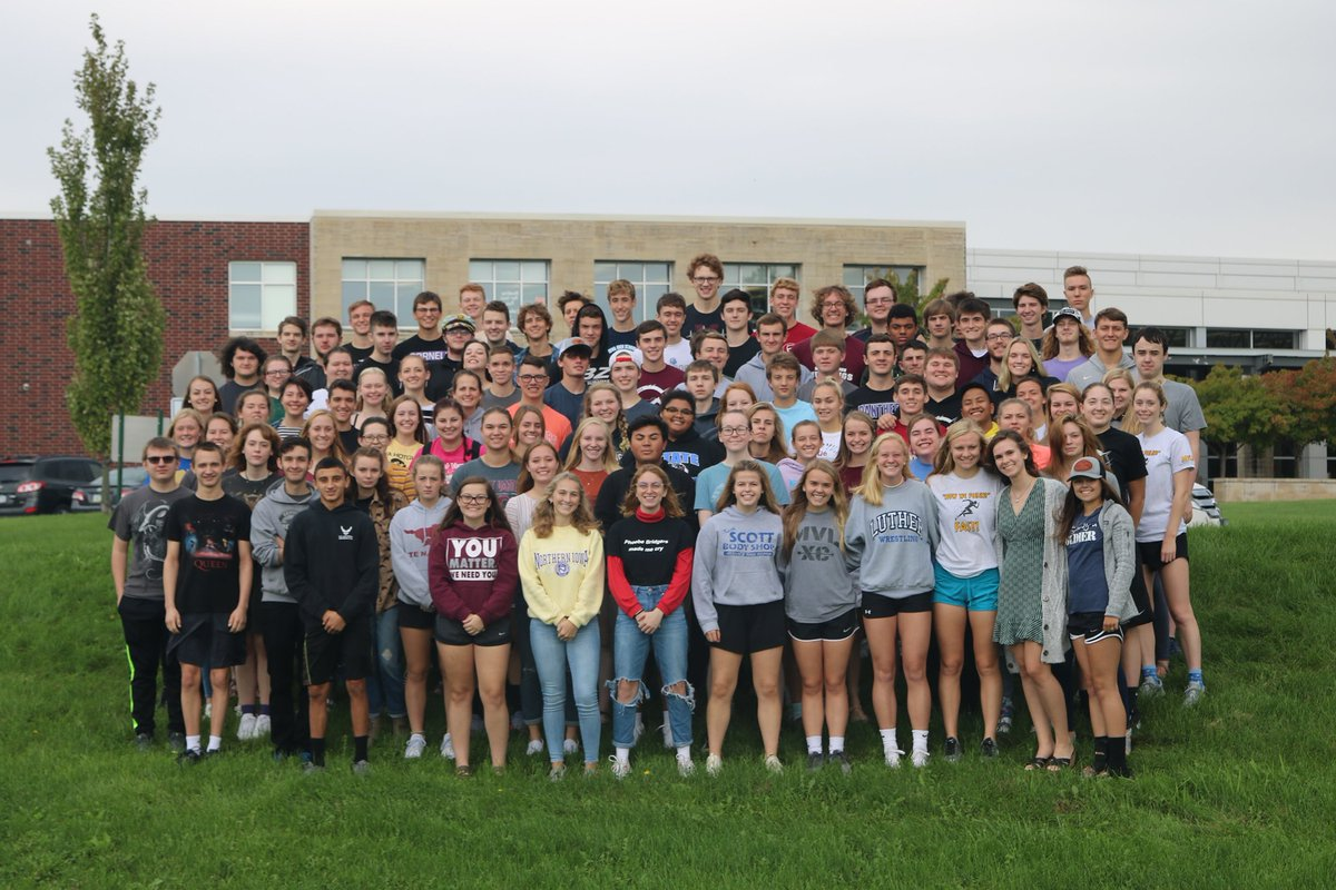ALL Seniors, Class of 2021, plan to be at school for the group picture! #MVHSclassof2021 #GoMVStangs
