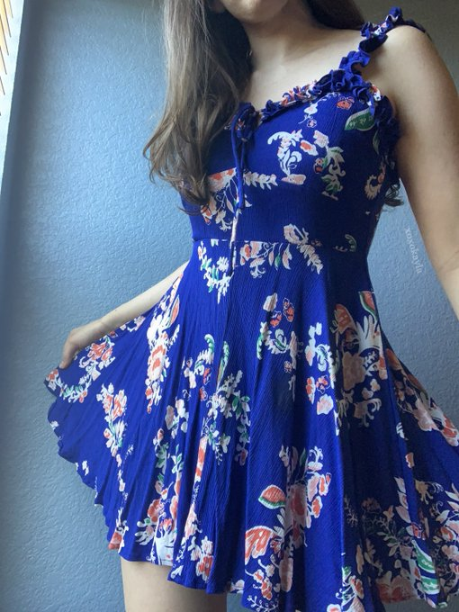 1 pic. any sundress lovers here? https://t.co/0oIEAuqRZC