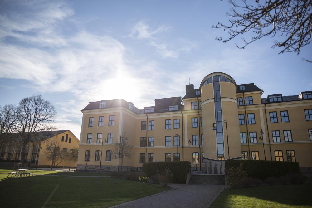 Fler söker till Högskolan i Skövde i första hand https://t.co/35aCsWAfXB https://t.co/bTdMpZrXSU