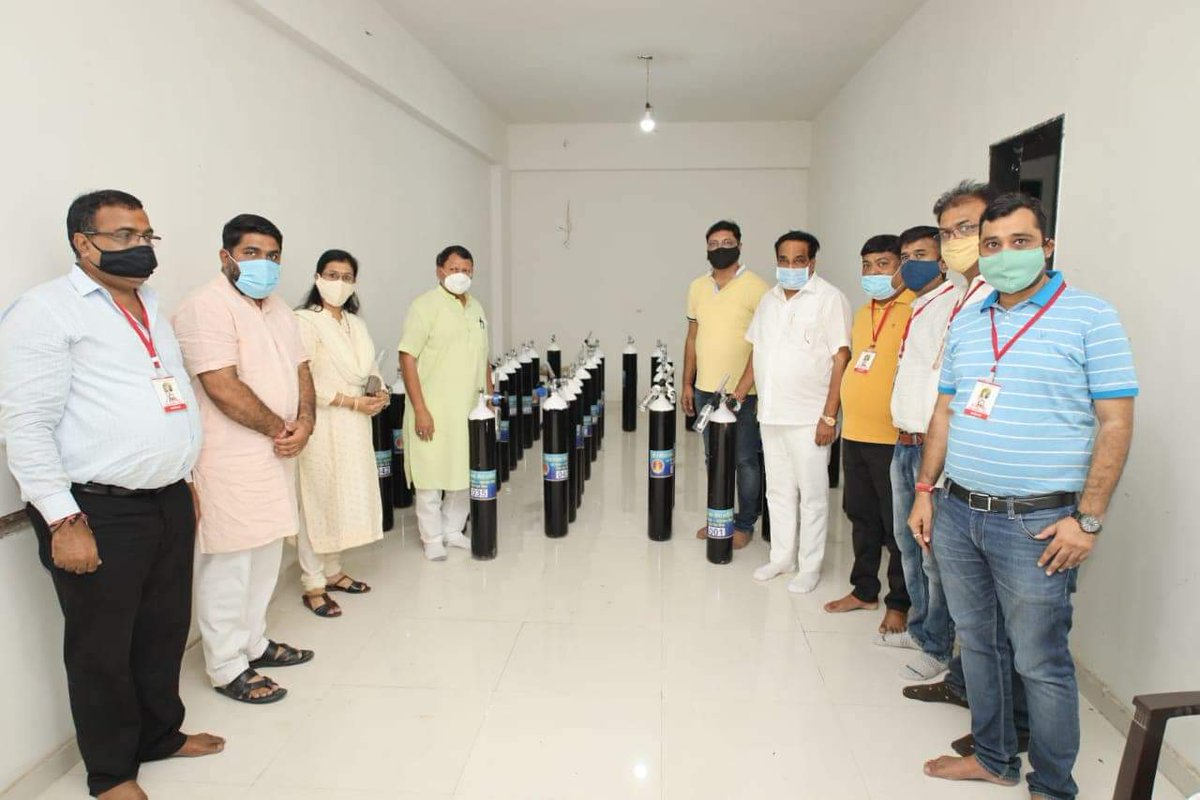 Patil visits NaMo Oxygen Seva Kendra that offers free Oxygen cylinder to home-isolated Covid patients
