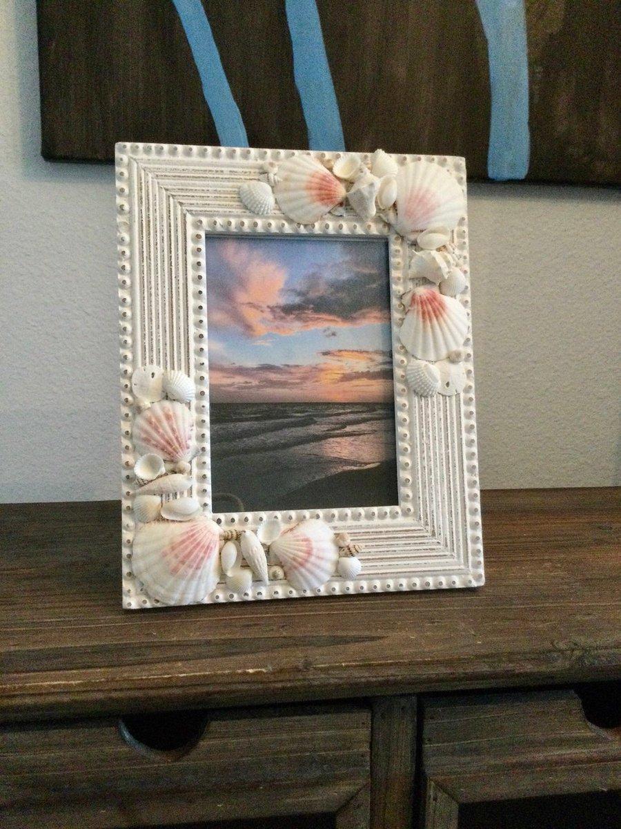 Photo Frame Item 625061 Picture Frames Gift Clip Frame Frame Hashtag Comment Twitter Tag