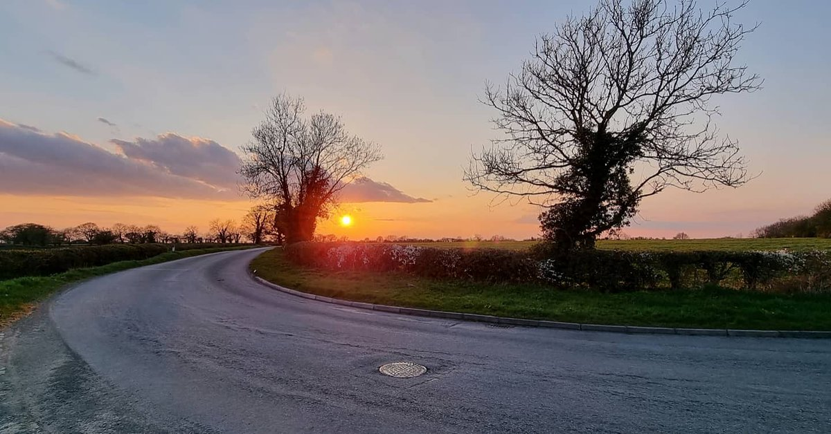 @VodafoneUK A glorious sunset during my Mental Wellbeing cycle ride on Wednesday evening. #vodafonetreats https://t.co/pai64f0Yiy
