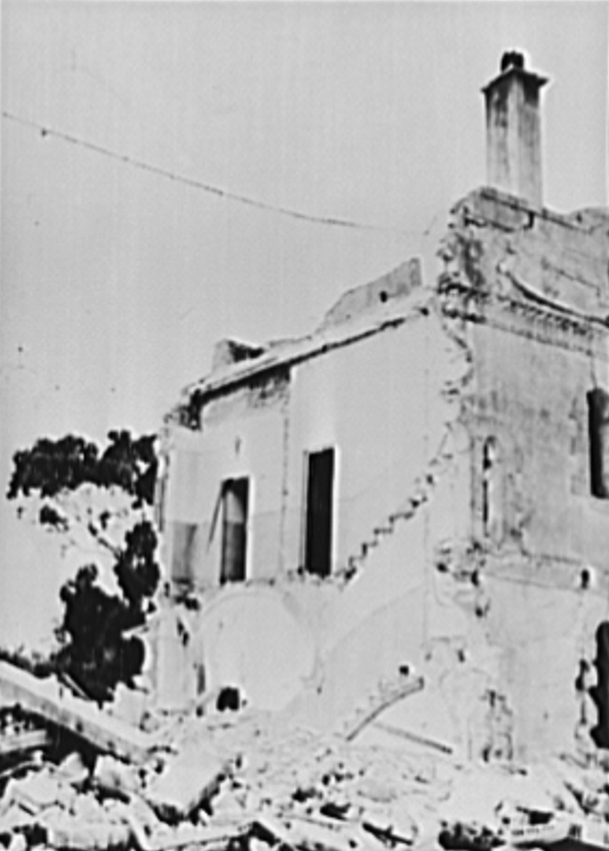 Luftwaffe dive bombers have raided North African port of Algiers, demolishing an orphanage run by Catholic nuns. Fifteen Sisters are dead- they stayed in the  to pray while others led 60 orphans to an air-raid shelter. https://t.co/PqsP0eZwDz https://t.co/3d1NcHXUUR