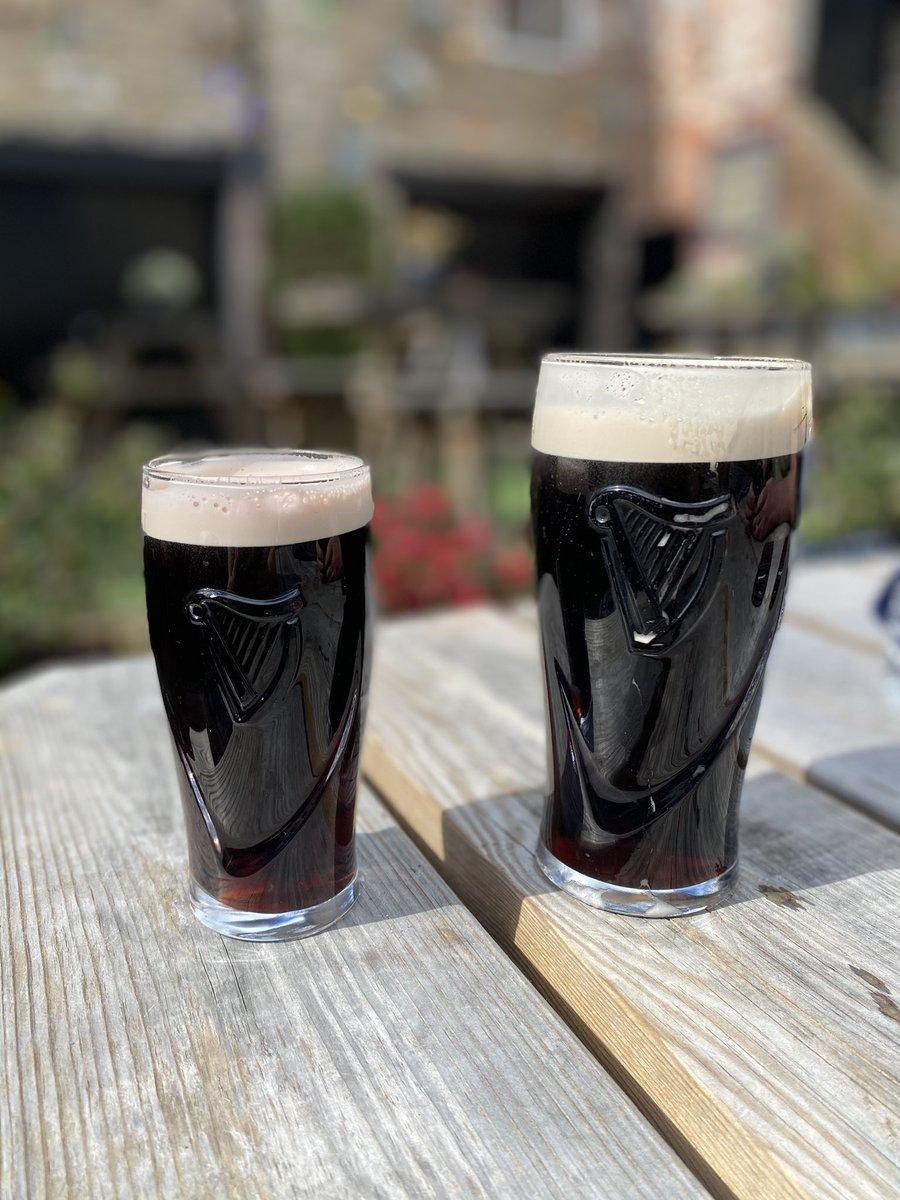 @VodafoneUK #vodafonetreats  sunshine and a much awaited beer garden drink !! https://t.co/1uPjxCbc8c
