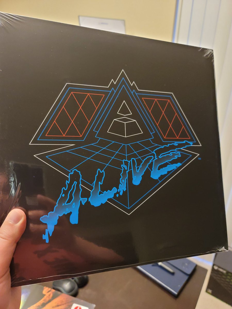 Awesomeness just arrived in the mail!! #DaftPunk #Alive2007 #vinyl
