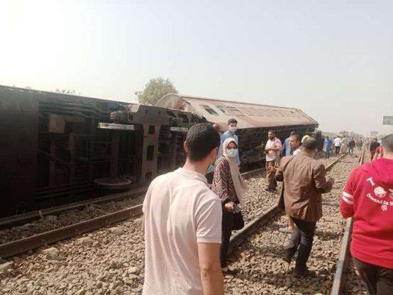 Videos: accidente de tren deja al menos 32 muertos y más de 100 heridos en la India_02