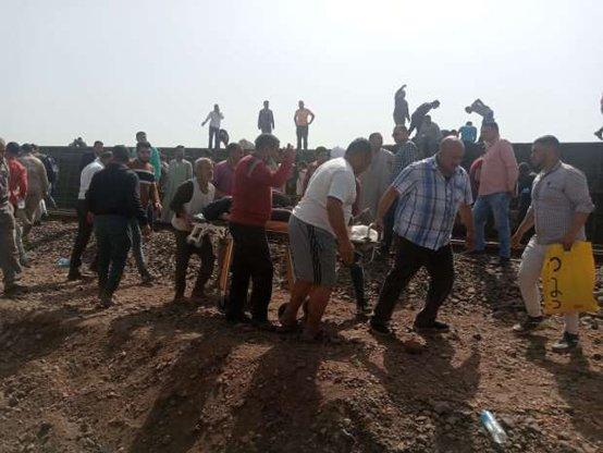 Videos: accidente de tren deja al menos 32 muertos y más de 100 heridos en la India_01