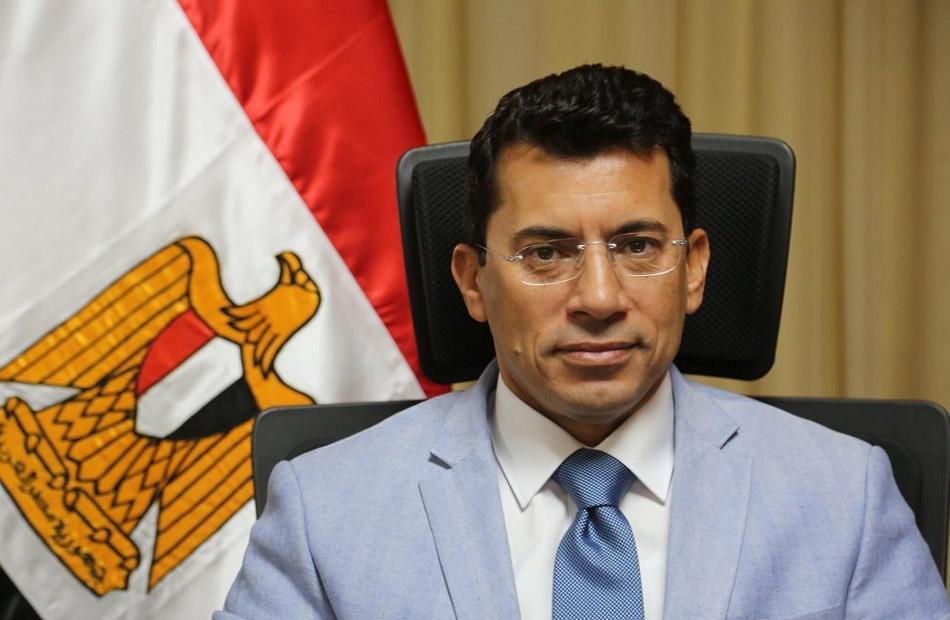 متحدث وزارة الرياضة حالة الدكتور أشرف صبحي مستقرة ويغادر المستشفى اليوم