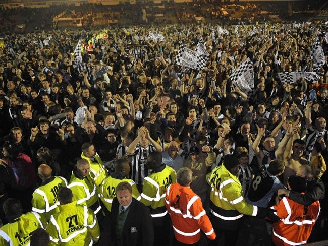 ON THIS DAY 2010: Newcastle United sealed the Championship title at Plymouth Argyle on a Monday Night #NUFC https://t.co/DKCEDd3TXZ
