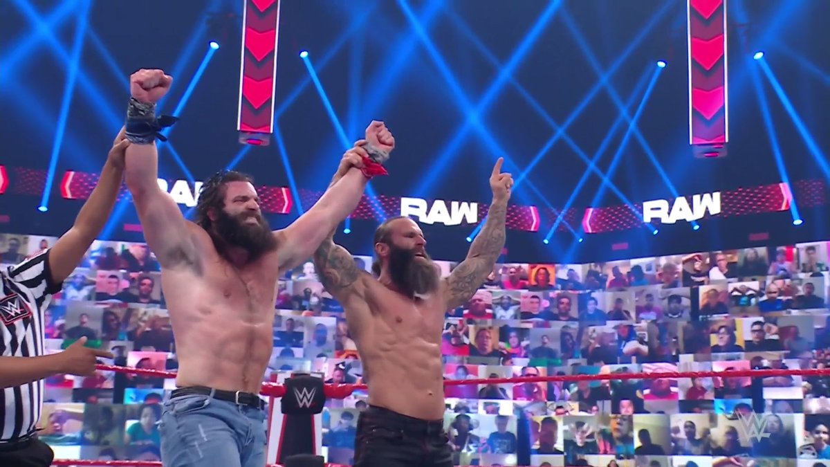 The shenanigans are over.  @IAmEliasWWE hits the beautiful Elbow Drop to DEFEAT @TrueKofi on #WWERaw! https://t.co/dQWlNnKLKb