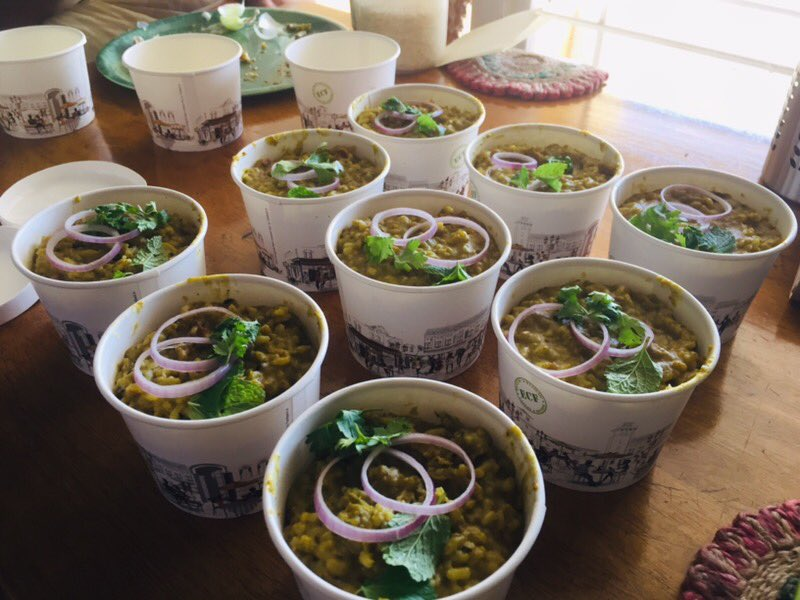 Khichdi Dabbas for ambulance drivers & police men on duty. We make Khichdi interesting !! Thank you each one who supported https://t.co/2W0FtRjuIQ