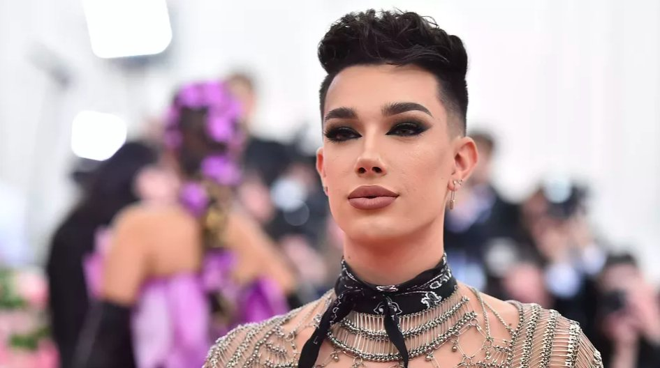 YouTube temporarily demonetizes James Charles' channel over misconduct allegations https://t.co/GHCyZYbeU2 https://t.co/RGCY4x2E0n