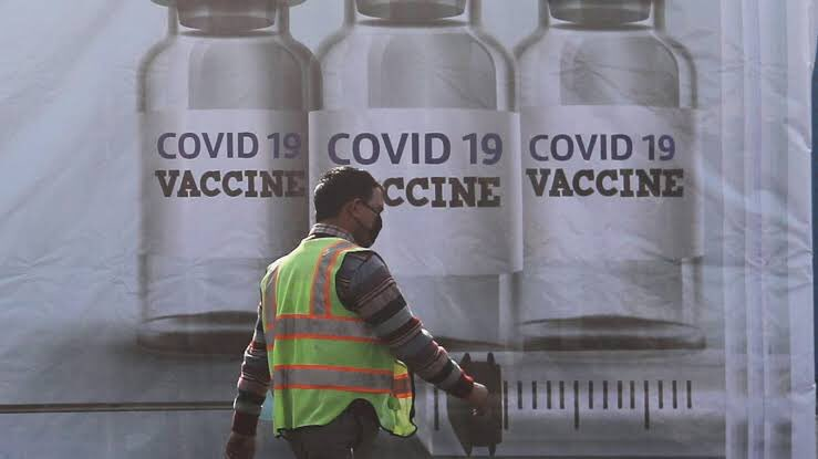 Bharat Biotech announces #covaxin capacity #Expansion.   Capacity expansion has been implemented across multiple facilities in Hyderabad and Bangalore, to reach ~ 700 million doses / year, one of the largest production capacities for Inactivated viral vaccines worldwide. #COVID19 https://t.co/LMoY7BqdY1