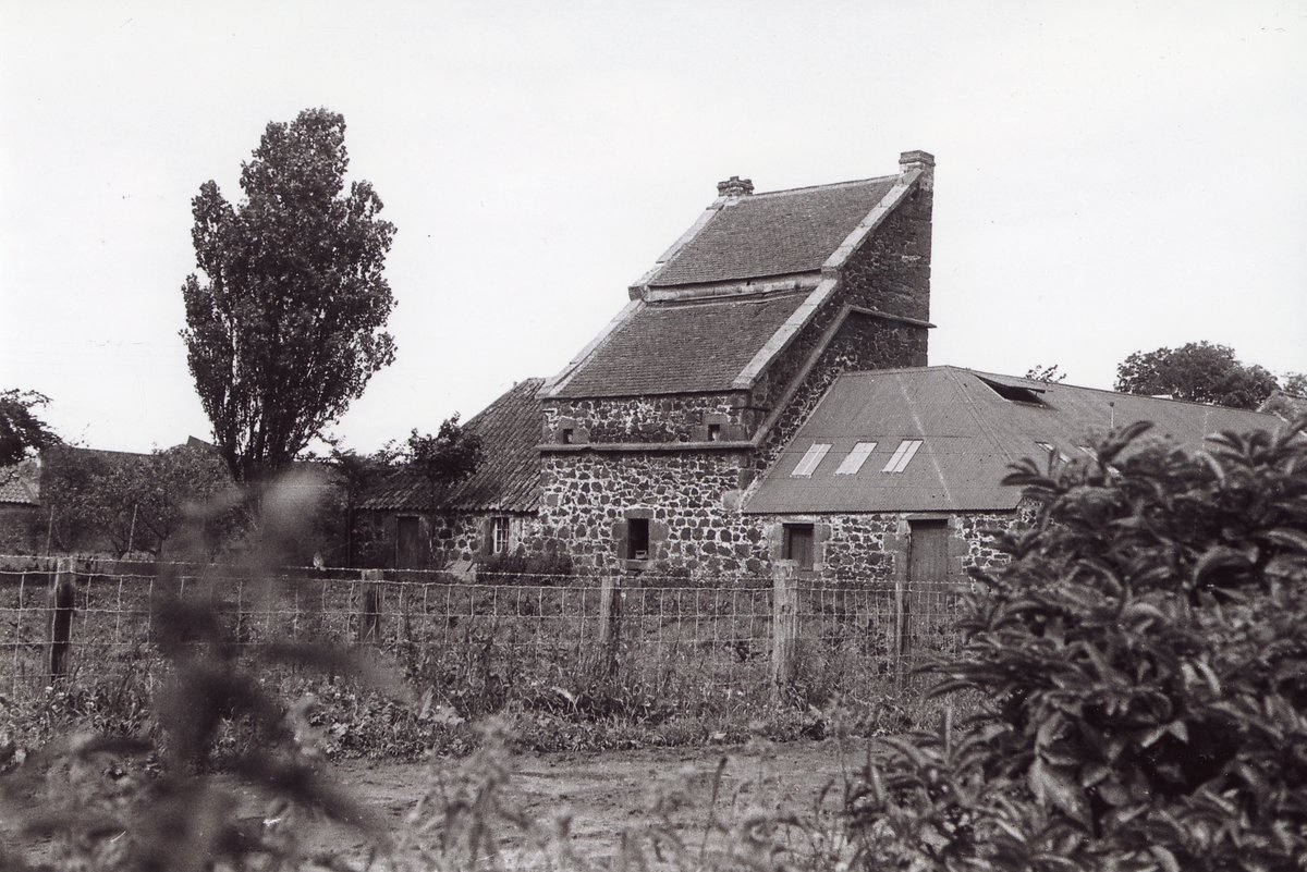 test Twitter Media - 💡Today's #LocalHistory Spotlight features images of #dovecots or DOOCOTS in #EastLothian . Our final instalment next Tuesday will feature more #farmingscenes🌾.  #eastlothianlife  #eastlothianhistory #localhistorymatters https://t.co/AEaVC9KlVm