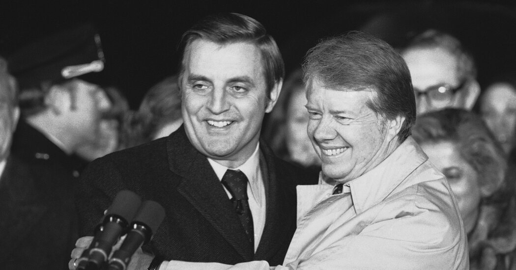 Jimmy Carter Leads Tributes to Walter Mondale https://t.co/nzyS65TYCD https://t.co/2EwnxcVCme